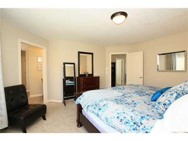 Photo 25: Photos: 188 SUNSET Close: Cochrane House for sale : MLS®# C4115906