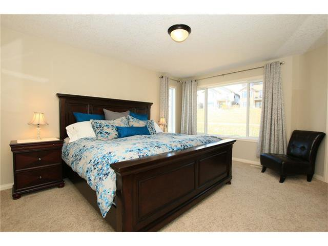 Photo 23: Photos: 188 SUNSET Close: Cochrane House for sale : MLS®# C4115906