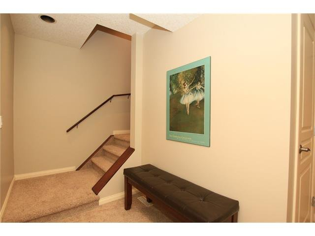 Photo 34: Photos: 188 SUNSET Close: Cochrane House for sale : MLS®# C4115906