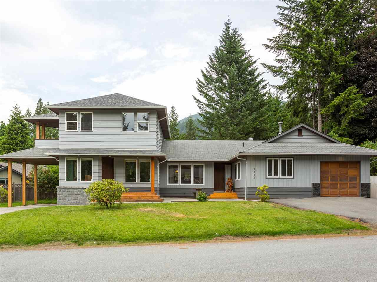 Main Photo: 2555 JURA Crescent in Squamish: Garibaldi Highlands House for sale : MLS®# R2176752