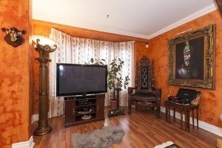 Main Photo: 16 43 Agnes Street in Mississauga: Cooksville Condo for sale : MLS®# W4019528