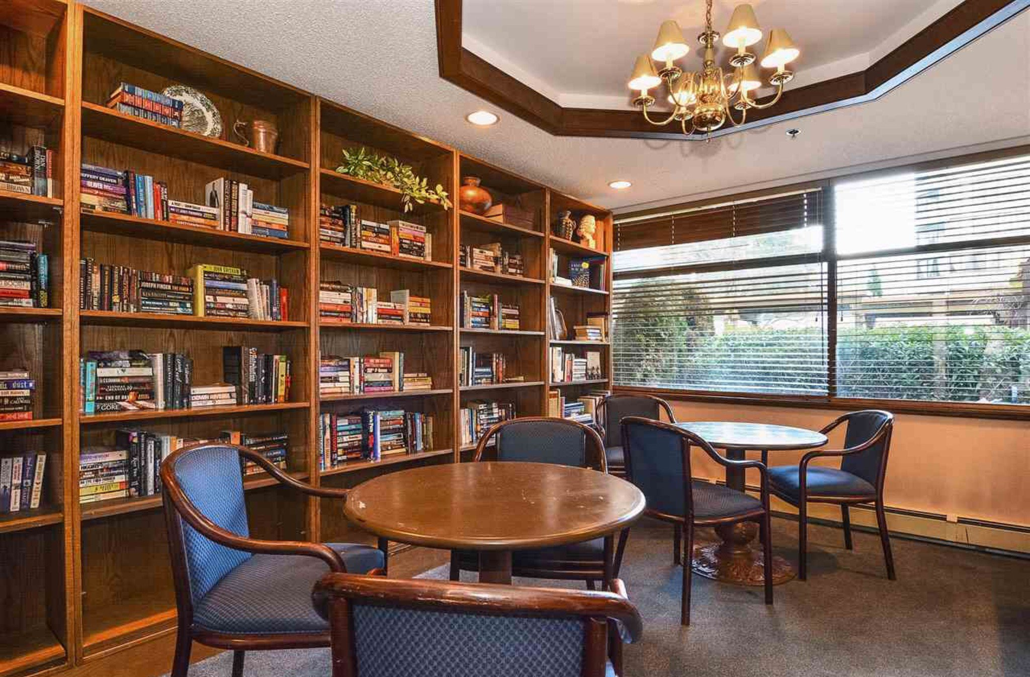 Photo 18: Photos: 405, 15111 Russell Avenue: White Rock Condo for sale (South Surrey White Rock)  : MLS®# R2133728