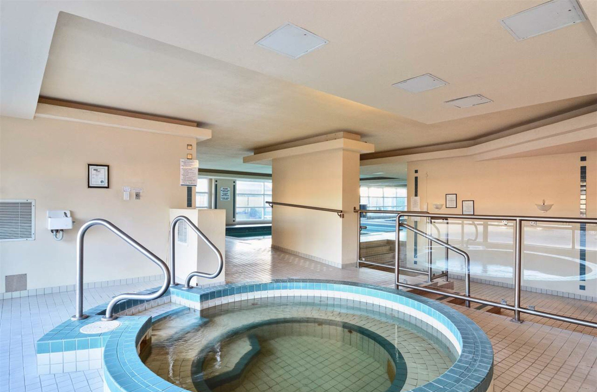 Photo 15: Photos: 405, 15111 Russell Avenue: White Rock Condo for sale (South Surrey White Rock)  : MLS®# R2133728