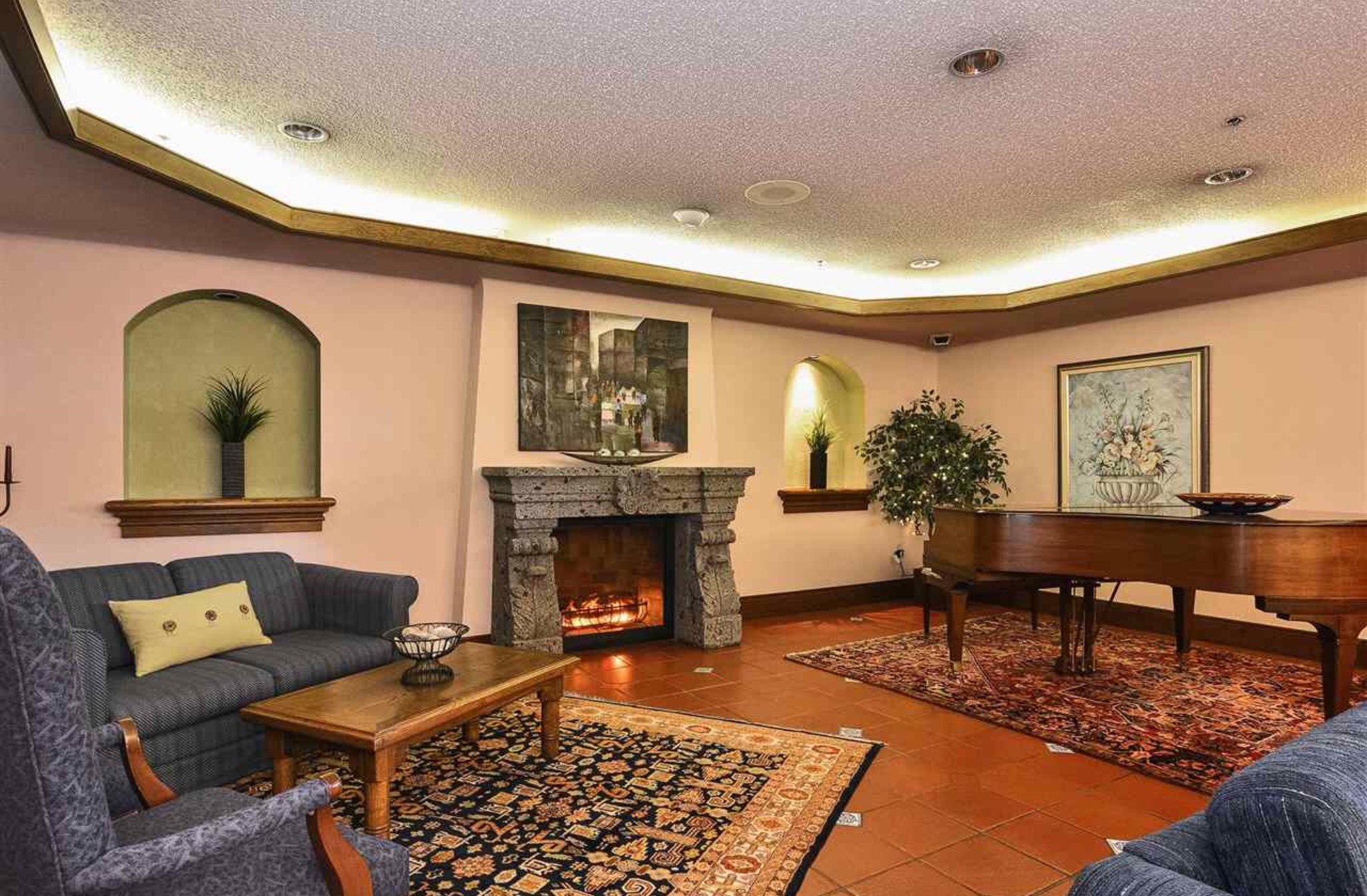 Photo 17: Photos: 405, 15111 Russell Avenue: White Rock Condo for sale (South Surrey White Rock)  : MLS®# R2133728