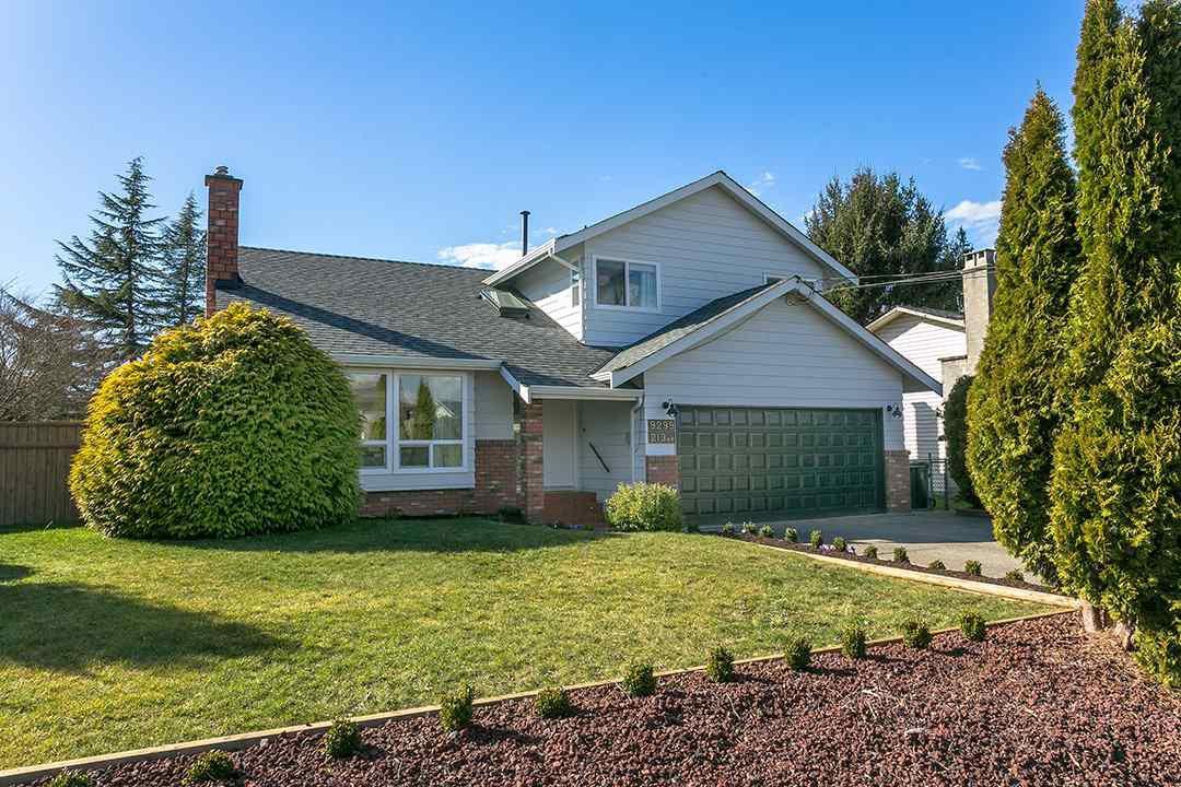 "Main Photo: 9299 213 Street in Langley: Walnut Grove House for sale in ""WALNUT GROVE"" : MLS®# R2248746"