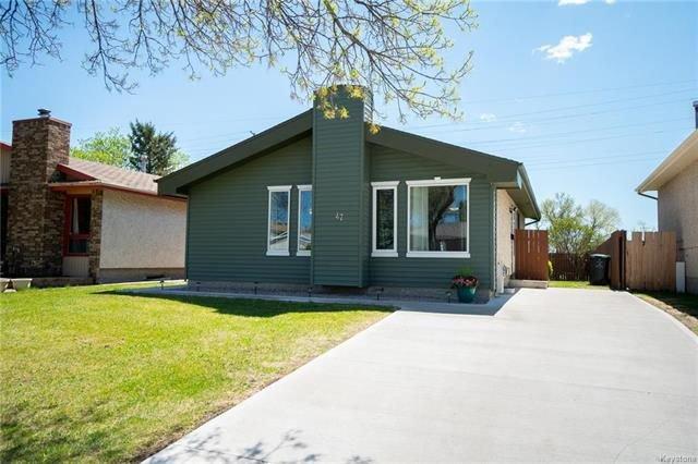 Main Photo: 47 St Moritz Road in Winnipeg: Sun Valley Park Residential for sale (3H)  : MLS®# 1813243