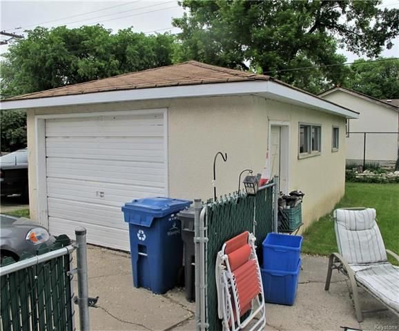 Photo 6: Photos:  in Winnipeg: East Kildonan Residential for sale (3D)  : MLS®# 1814608