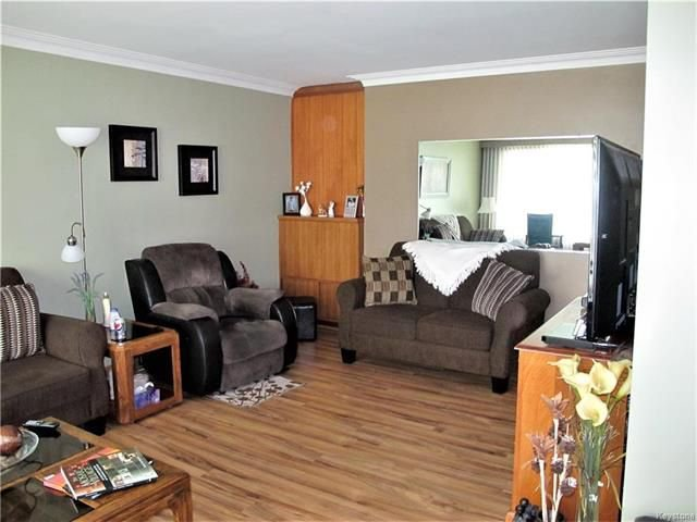 Photo 8: Photos:  in Winnipeg: East Kildonan Residential for sale (3D)  : MLS®# 1814608