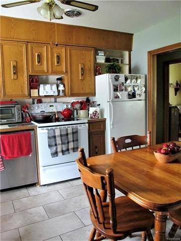 Photo 11: Photos:  in Winnipeg: East Kildonan Residential for sale (3D)  : MLS®# 1814608