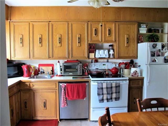Photo 10: Photos:  in Winnipeg: East Kildonan Residential for sale (3D)  : MLS®# 1814608