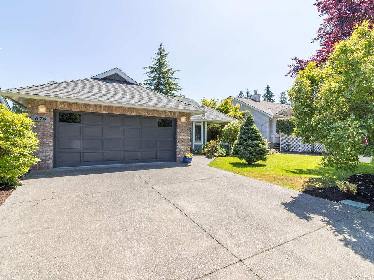 Main Photo: 676 Pine Ridge Dr in COBBLE HILL: ML Cobble Hill House for sale (Malahat & Area)  : MLS®# 793391