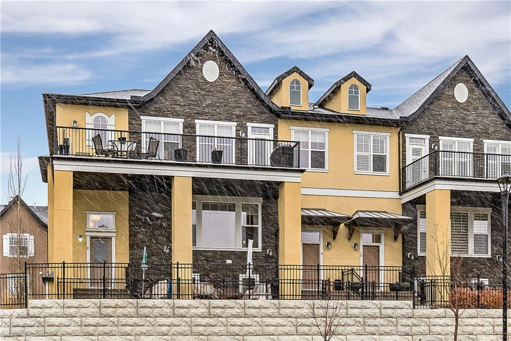 Main Photo: 2 CRANBROOK Villa SE in Calgary: Cranston Row/Townhouse for sale : MLS®# C4215391