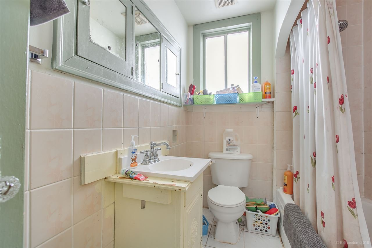 Photo 12: Photos: 2254 E 24TH Avenue in Vancouver: Victoria VE House for sale (Vancouver East)  : MLS®# R2326595