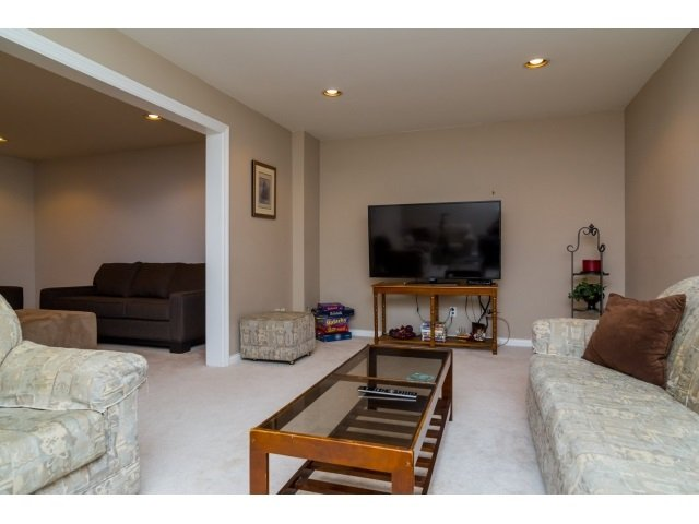 Photo 18: Photos: 8787 166B Street in Surrey: Fleetwood Tynehead House for sale : MLS®# R2341846