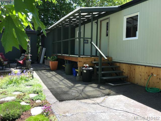 Main Photo: 52 2817 Sooke Lake Rd in VICTORIA: La Langford Proper Manufactured Home for sale (Langford)  : MLS®# 813692