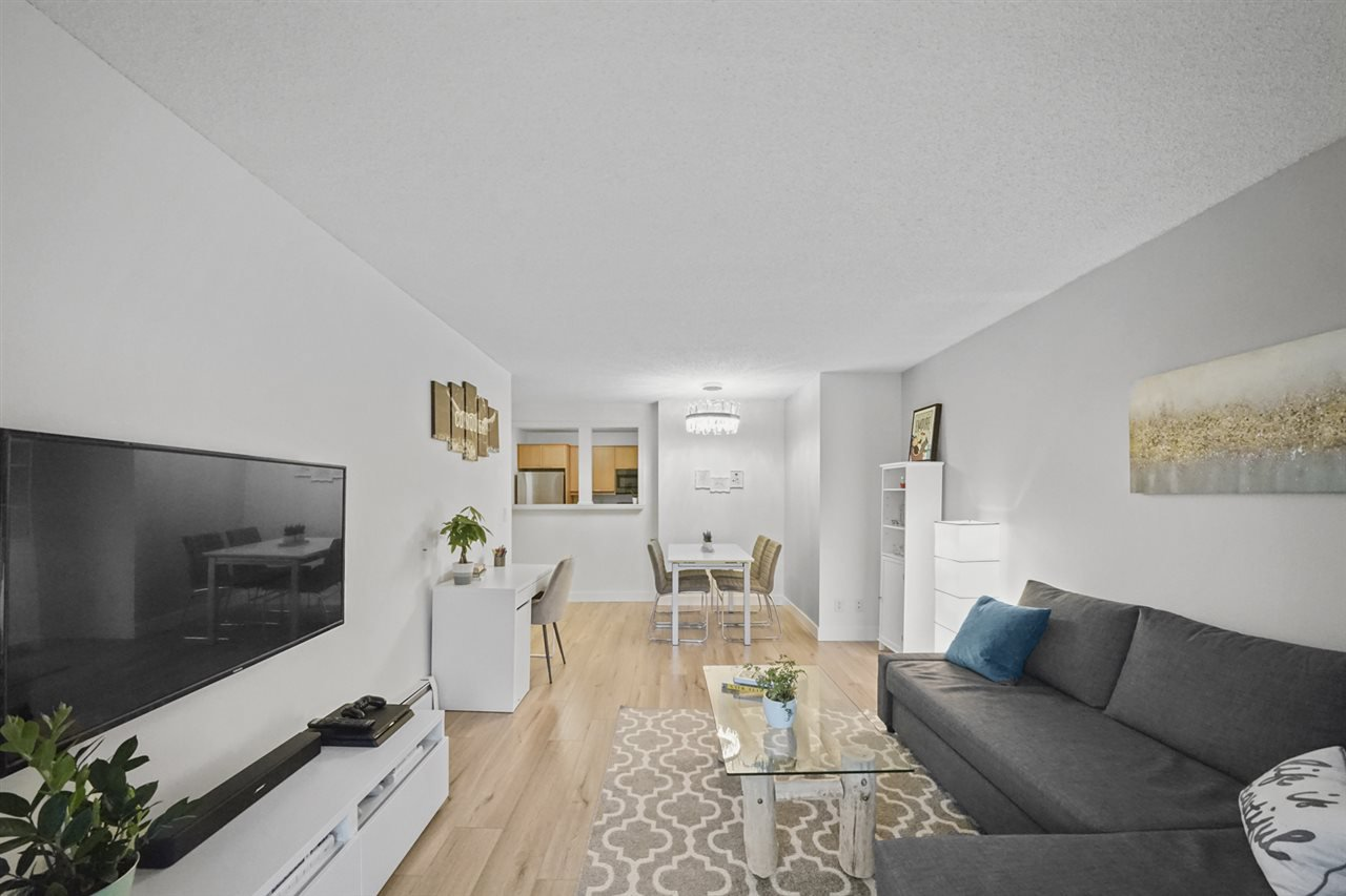 "Main Photo: 204 827 W 16TH Street in North Vancouver: Mosquito Creek Condo for sale in ""Cedarcrest"" : MLS®# R2430874"