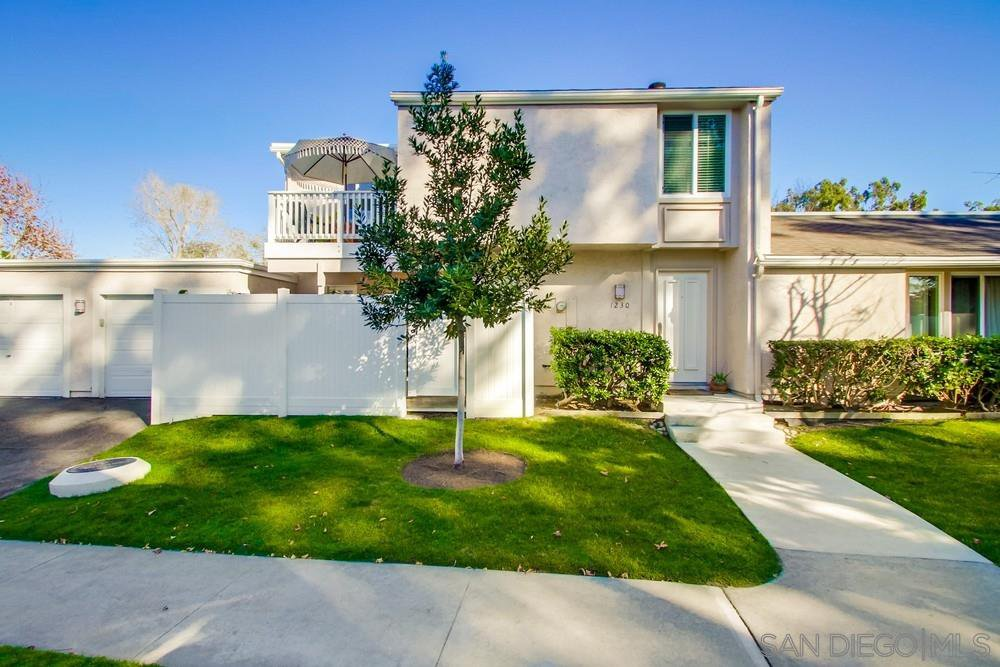 Main Photo: CARDIFF BY THE SEA Townhome for sale : 3 bedrooms : 1230 Caminito Septimo