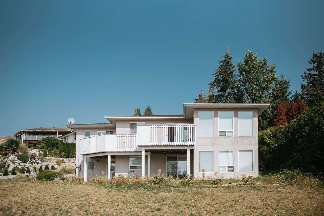 Main Photo: 6208 BAILLIE Road in Sechelt: Sechelt District House for sale (Sunshine Coast)  : MLS®# R2489242