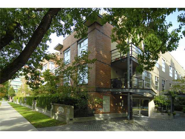 Main Photo: 213 2181 W 12TH Avenue in Vancouver: Kitsilano Condo for sale (Vancouver West)  : MLS®# V905293