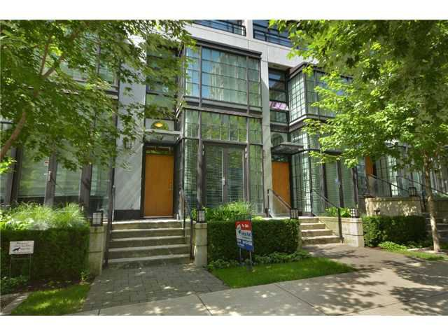 "Main Photo: 1241 SEYMOUR Street in Vancouver: Downtown VW Townhouse for sale in ""ELAN"" (Vancouver West)  : MLS®# V909862"