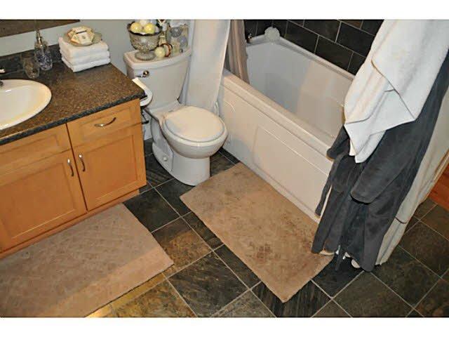 "Photo 4: Photos: 1 15989 MARINE Drive: White Rock Condo for sale in ""MARINER ESTATES"" (South Surrey White Rock)  : MLS®# F1412892"