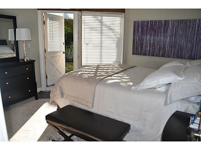 "Photo 3: Photos: 1 15989 MARINE Drive: White Rock Condo for sale in ""MARINER ESTATES"" (South Surrey White Rock)  : MLS®# F1412892"