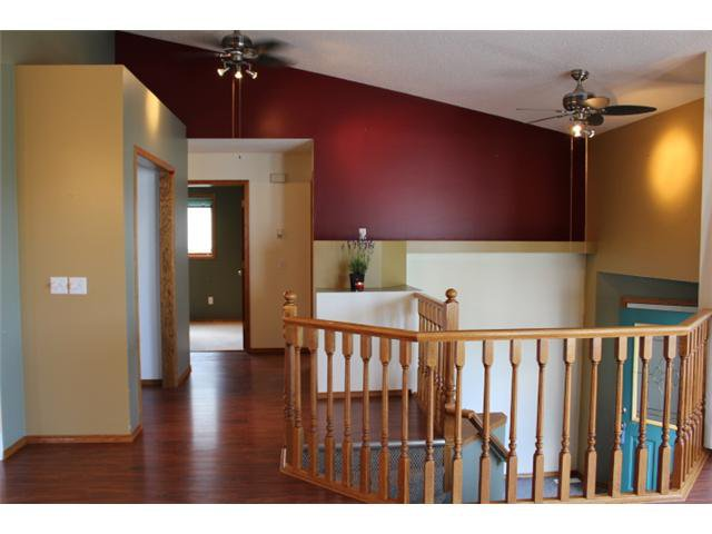 Photo 6: Photos: 31 APPLERIDGE Green SE in CALGARY: Applewood Residential Detached Single Family for sale (Calgary)  : MLS®# C3620379