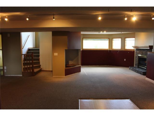 Photo 12: Photos: 31 APPLERIDGE Green SE in CALGARY: Applewood Residential Detached Single Family for sale (Calgary)  : MLS®# C3620379