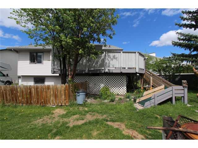 Photo 19: Photos: 31 APPLERIDGE Green SE in CALGARY: Applewood Residential Detached Single Family for sale (Calgary)  : MLS®# C3620379