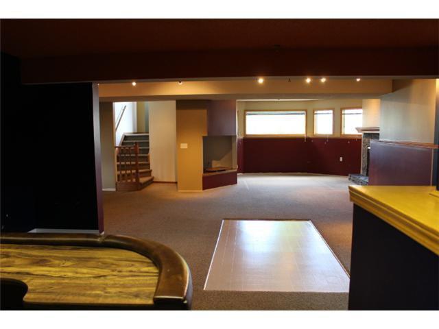 Photo 11: Photos: 31 APPLERIDGE Green SE in CALGARY: Applewood Residential Detached Single Family for sale (Calgary)  : MLS®# C3620379