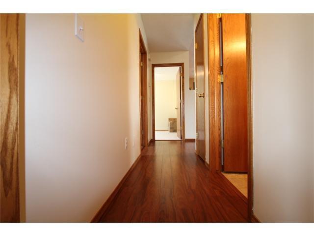 Photo 7: Photos: 31 APPLERIDGE Green SE in CALGARY: Applewood Residential Detached Single Family for sale (Calgary)  : MLS®# C3620379