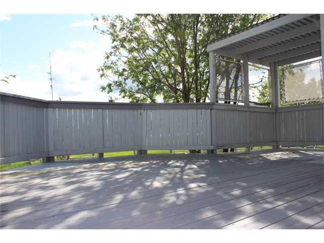 Photo 17: Photos: 31 APPLERIDGE Green SE in CALGARY: Applewood Residential Detached Single Family for sale (Calgary)  : MLS®# C3620379