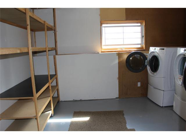 Photo 15: Photos: 31 APPLERIDGE Green SE in CALGARY: Applewood Residential Detached Single Family for sale (Calgary)  : MLS®# C3620379