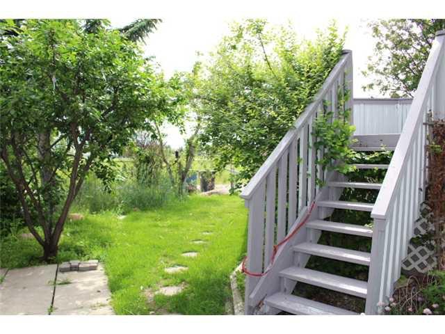 Photo 16: Photos: 31 APPLERIDGE Green SE in CALGARY: Applewood Residential Detached Single Family for sale (Calgary)  : MLS®# C3620379