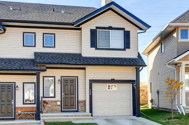 Main Photo: 132 ROCKYSPRING Grove NW in Calgary: Rocky Ridge Ranch Townhouse for sale : MLS®# C3640218