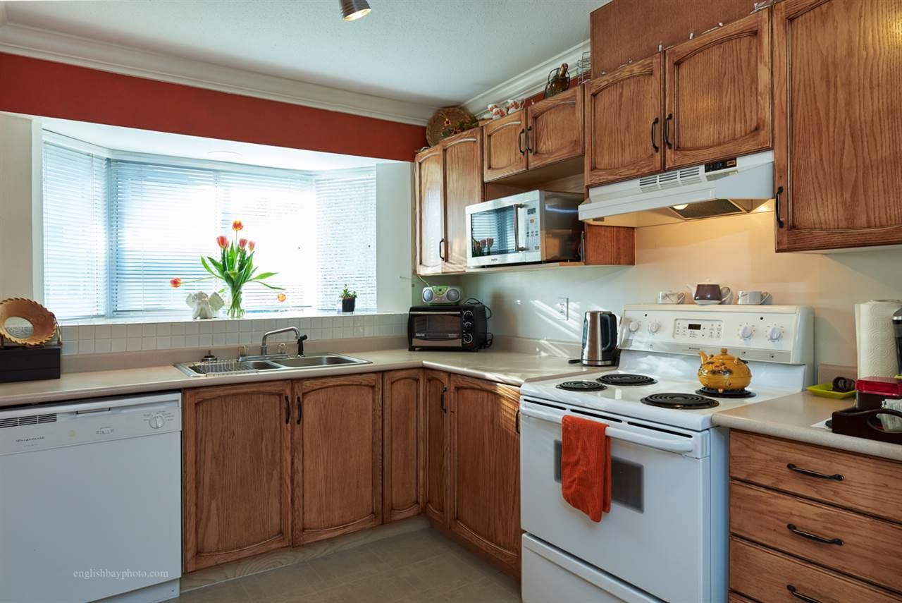 "Photo 6: Photos: 205 2962 TRETHEWEY Street in Abbotsford: Abbotsford West Condo for sale in ""Cascade Green"" : MLS®# R2038119"
