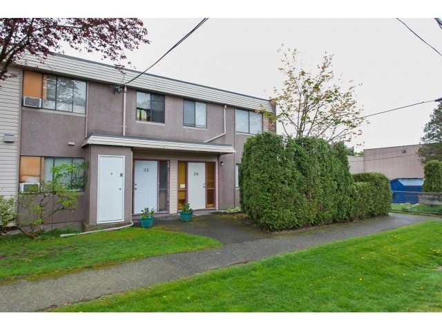 Main Photo: 36 27090 32 Avenue in Langley: Aldergrove Langley Townhouse for sale : MLS®# R2059488