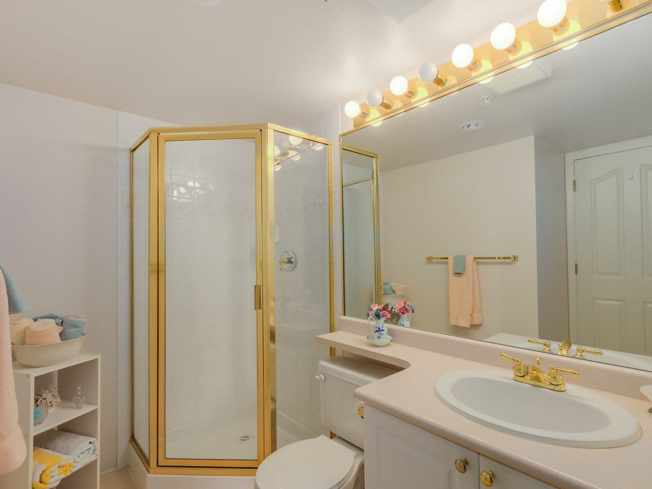 Photo 15: Photos: 403 728 PRINCESS Street in New Westminster: Uptown NW Condo for sale : MLS®# R2061685
