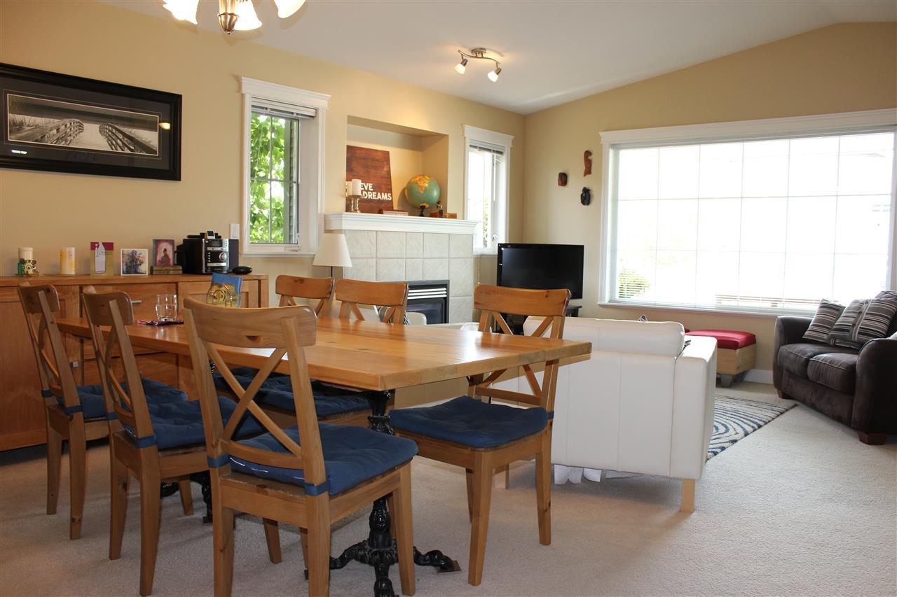 Photo 3: Photos: 5728 EMILY Way in Sechelt: Sechelt District House for sale (Sunshine Coast)  : MLS®# R2070288