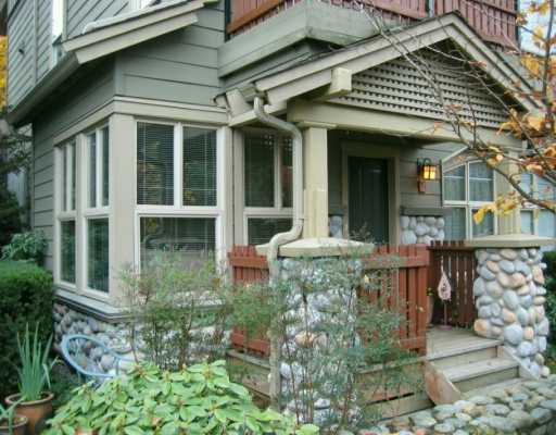 """Main Photo: 15 6TH Ave in New Westminster: GlenBrooke North Townhouse for sale in """"GLENBROOKE NORTH"""" : MLS®# V620645"""