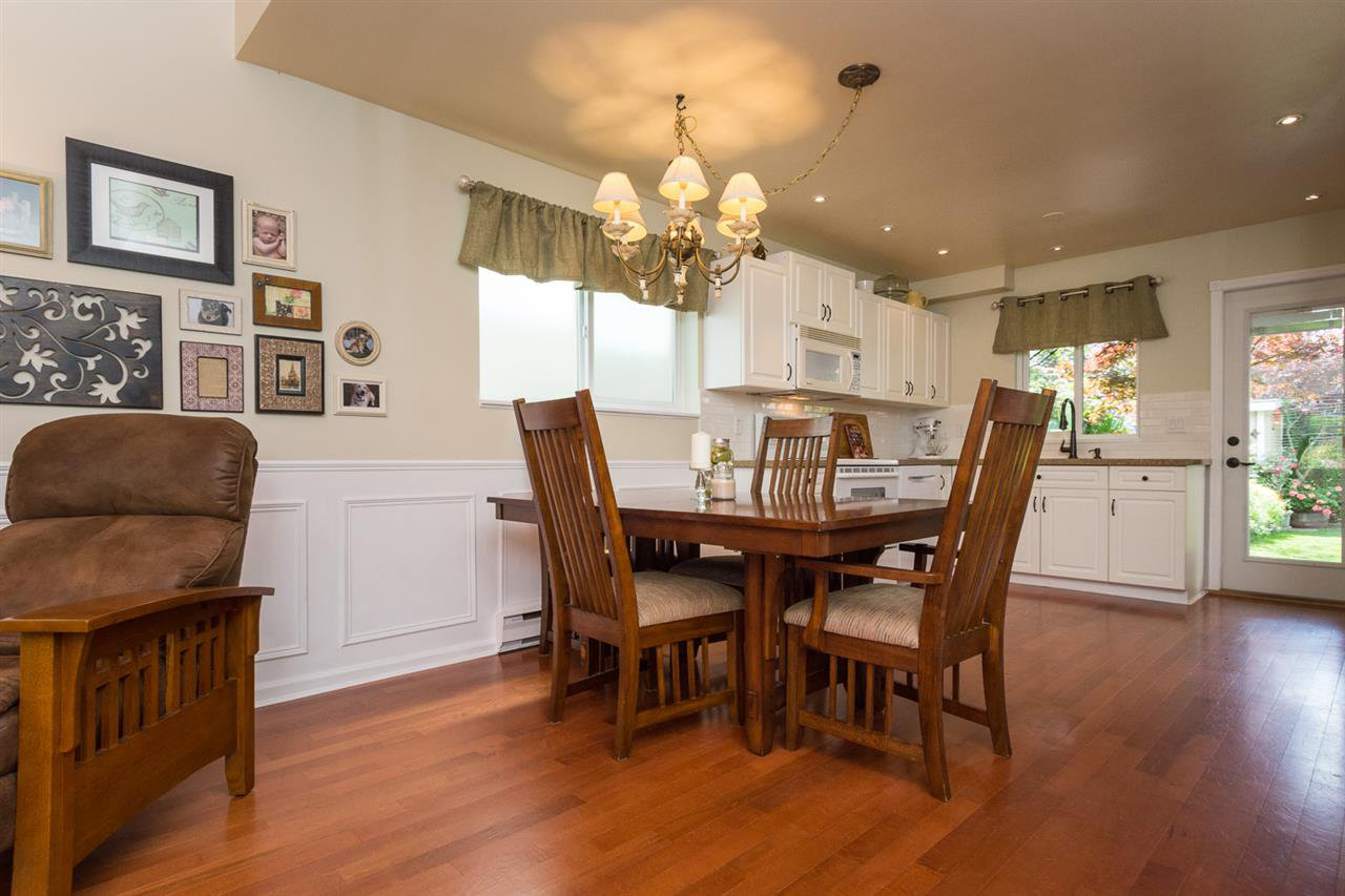 Photo 4: Photos: 11955 STAPLES Crescent in Delta: Sunshine Hills Woods House for sale (N. Delta)  : MLS®# R2092207