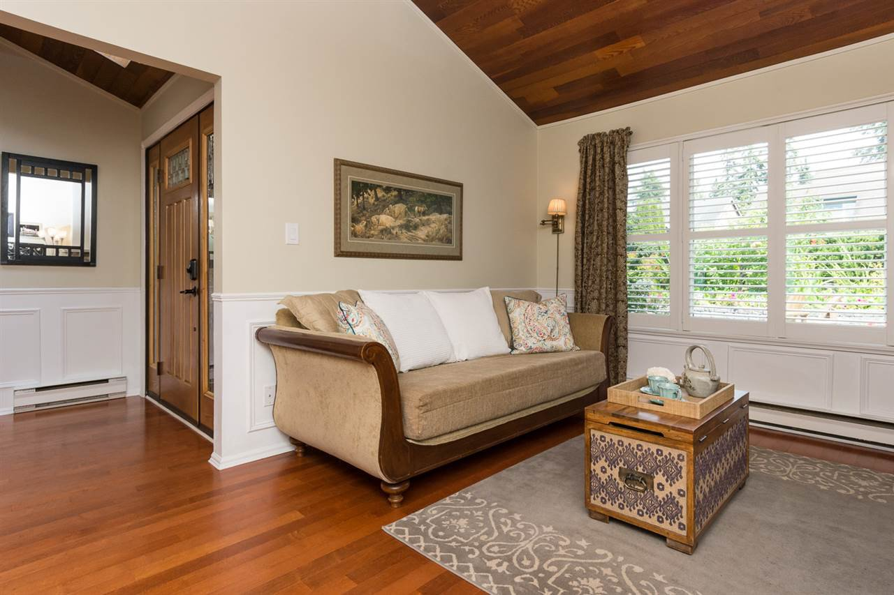 Photo 2: Photos: 11955 STAPLES Crescent in Delta: Sunshine Hills Woods House for sale (N. Delta)  : MLS®# R2092207