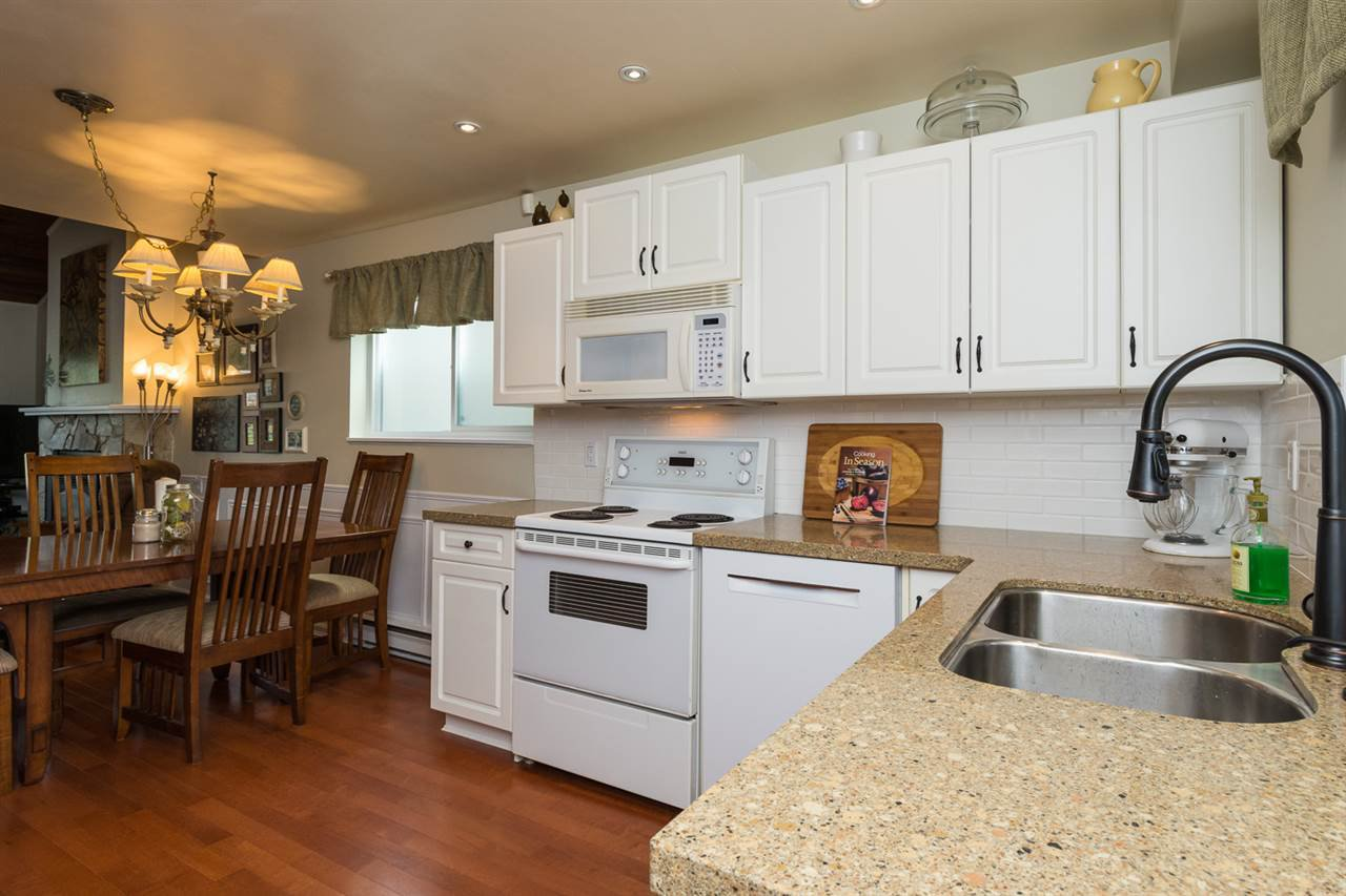Photo 6: Photos: 11955 STAPLES Crescent in Delta: Sunshine Hills Woods House for sale (N. Delta)  : MLS®# R2092207