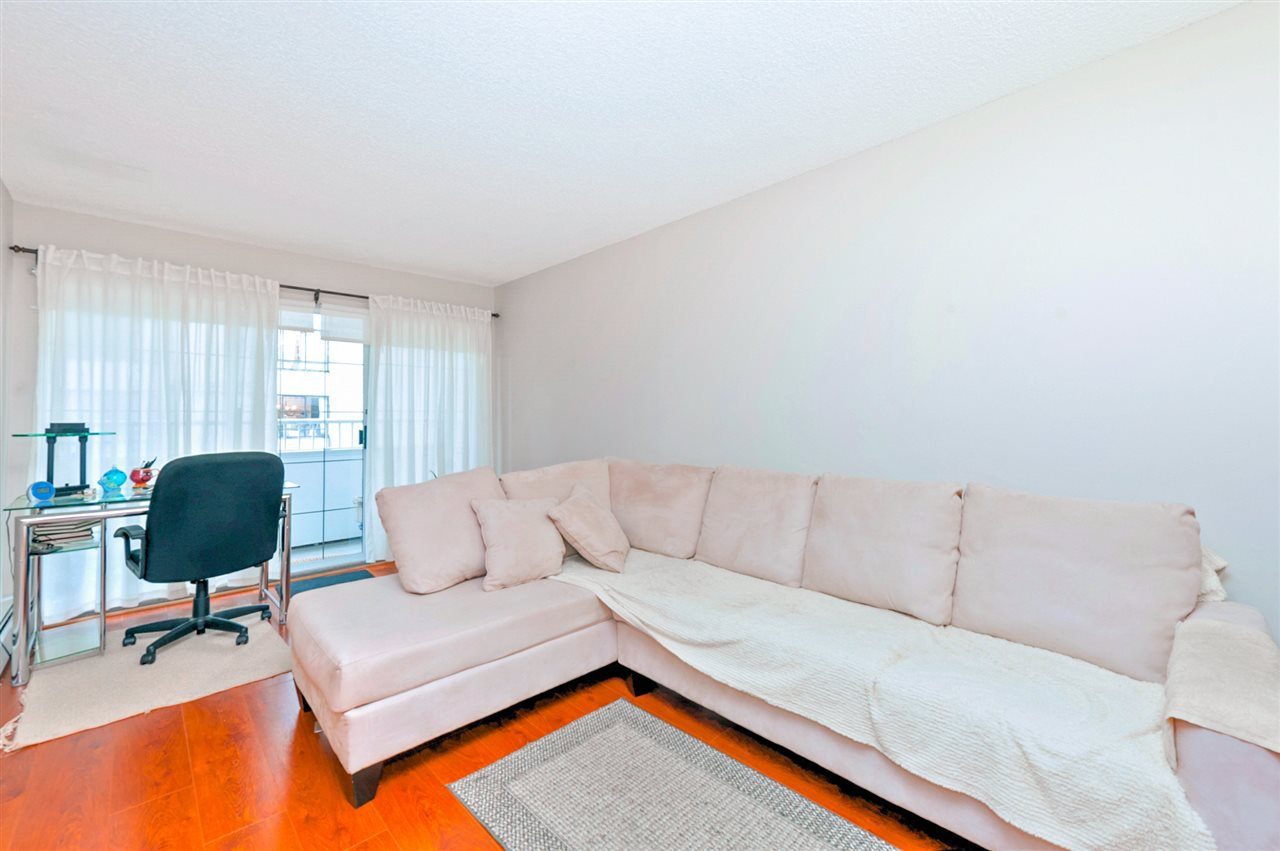 Main Photo: 208 707 EIGHTH Street in New Westminster: Uptown NW Condo for sale : MLS®# R2125520