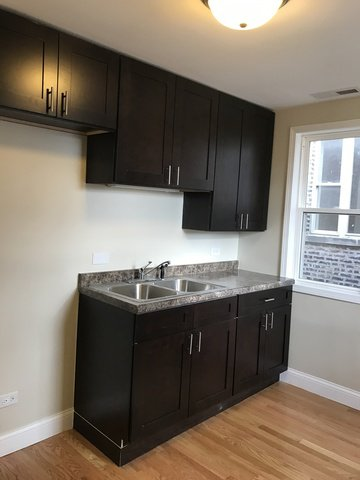 Photo 3: Photos: 4211 Gladys Avenue in CHICAGO: CHI - West Garfield Park Multi Family (2-4 Units) for sale ()  : MLS®# 09401901