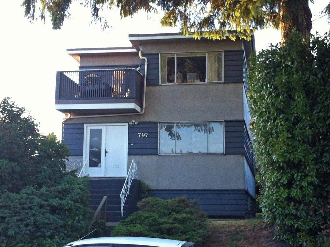 """Main Photo: 797 W 69TH Avenue in Vancouver: Marpole House for sale in """"MARPOLE"""" (Vancouver West)  : MLS®# R2128906"""