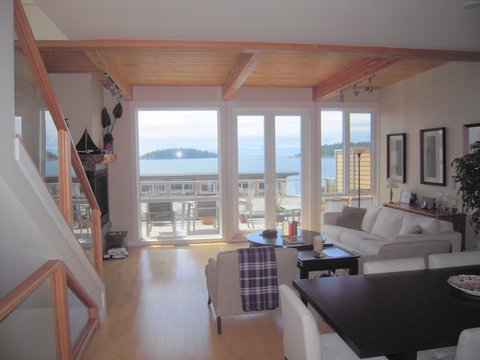 """Photo 2: Photos: 6492 EMBER Place in Sechelt: Sechelt District Townhouse for sale in """"WAKEFIELD WAVE II"""" (Sunshine Coast)  : MLS®# R2194237"""