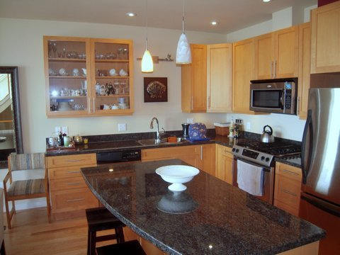 """Photo 3: Photos: 6492 EMBER Place in Sechelt: Sechelt District Townhouse for sale in """"WAKEFIELD WAVE II"""" (Sunshine Coast)  : MLS®# R2194237"""