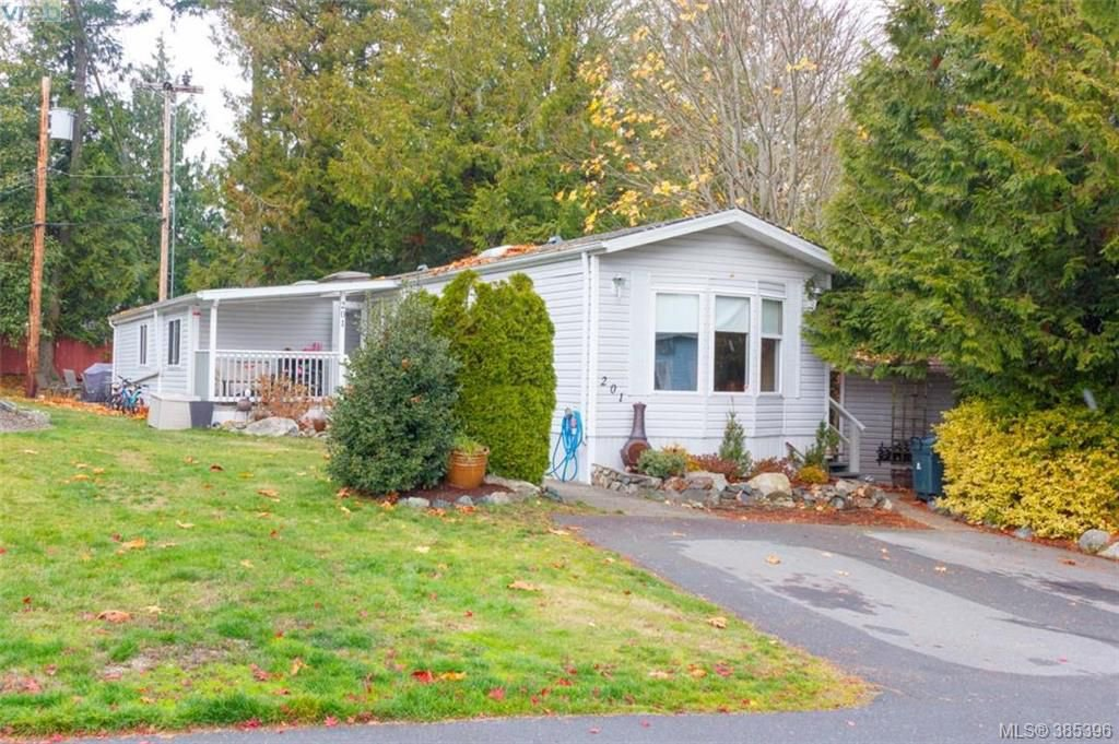 Main Photo: 201 2779 Stautw Rd in SAANICHTON: CS Hawthorne Manufactured Home for sale (Central Saanich)  : MLS®# 774373
