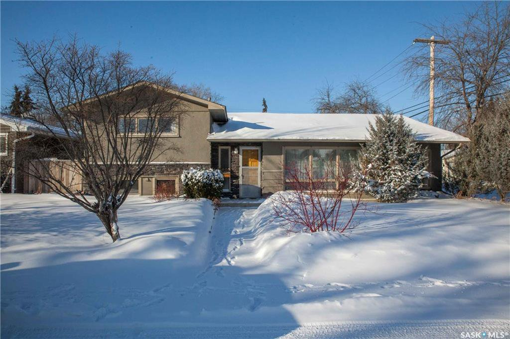 Main Photo: 2402 Hanover Avenue in Saskatoon: Avalon Residential for sale : MLS®# SK717450